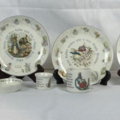 Lot #14 Set of 8pc Wedgwood Beatrix Potter Dishes
