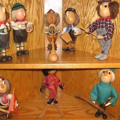 ARNI wooden dolls