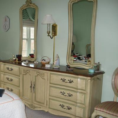 White's Fine Furniture Queen bedroom set