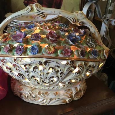 Vintage Capadimonte Lamp