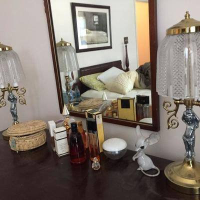 Matching Lamps on Dresser.