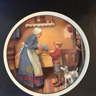 1986 Edwin Knowles fine china plate. Rockwell's