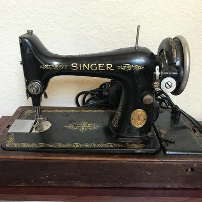 A Singer Class 99 sewing machine. Features a low shank and an oscillating hook. It uses Class 66 bobbins and 15x1 needles. Serial number:...