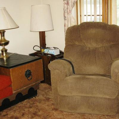 recliner    Lazy Boy  BUY IT NOW $ $ 125.00