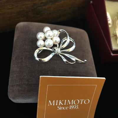 Mikimoto brooch. $150