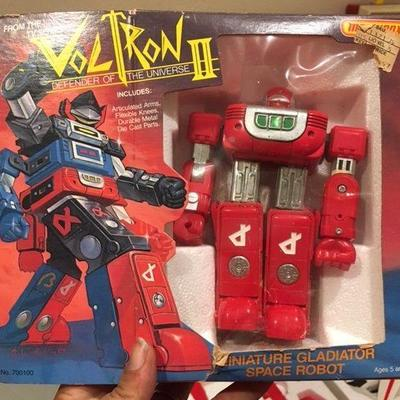 Matchbox VOLTRON II Miniature Gladiator Space Robot Red RR0503 https://www.ebay.com/itm/123503406335