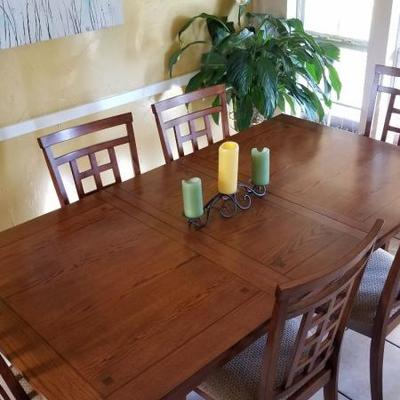 Dining Table Set w/ 6 chairs   $200