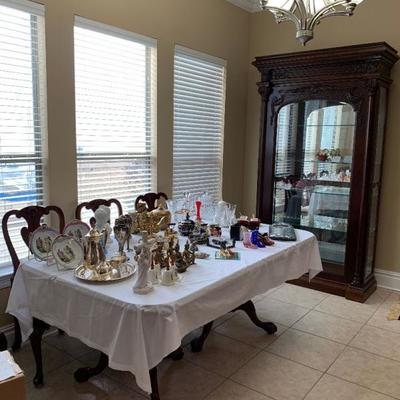 Dining Room Table in this Photo is not for sale