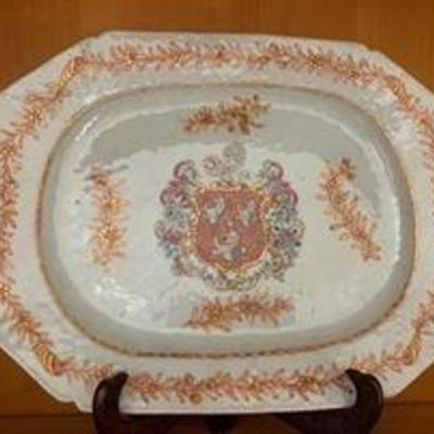 Chinese armorial platter: It bears the Arms of the Bennet Merchant family, of the late 18th century Finsbury London