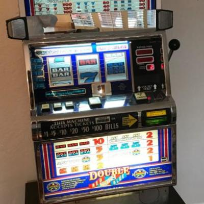 IGT Slot Machine Double Red White Blue Model 9643900