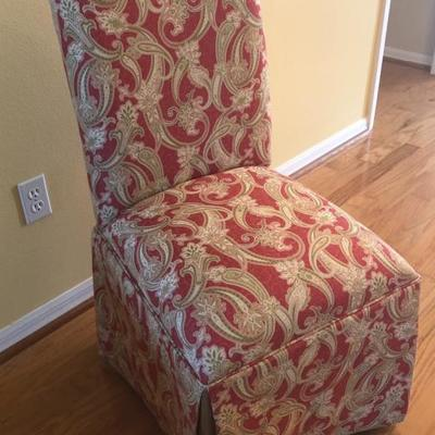 Upholstered Paisley Parson's Chair with Button-up Back (20