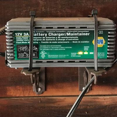This battery is customized to the Toyota Carola LE car for sale.