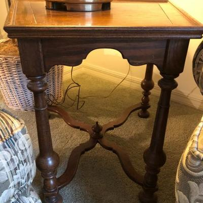Ethan Allen Wedge Table - (Wider in back) - (26-1/2