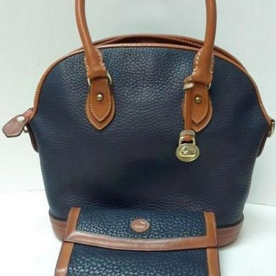 VINTAGE LEATHER DOONEY AND BOURKE BAG WITH WALLET NAVY AND BROWN LA6071 https://www.ebay.com/itm/123718346110