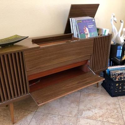Mid-Century Grundig working console stereo with turntable- $750
