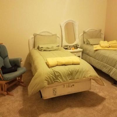 Twin Beds Wicker Set