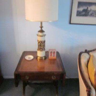 Heritage Drop Leaf End Table Pair Great For Any Room