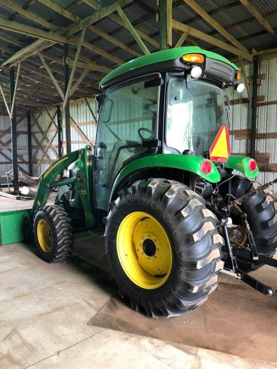 John Deere 4720 with 400X Loader - Like New