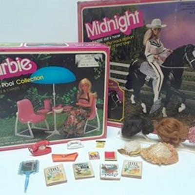 VINTAGE BARBIE BUNDLE DREAMPOOL PATIO SET & MIDNIGHT HORSE WITH EXTRA PCS LA6062 https://www.ebay.com/itm/123791660359