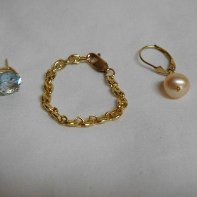 14 k Chain Ring and Single Earrings