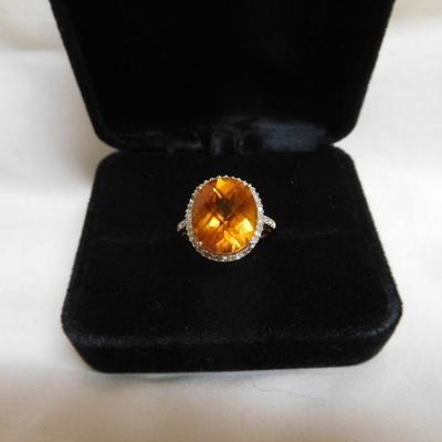 10 k Topaz and Diamond Ring