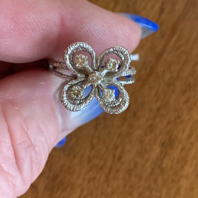1kt white gold with diamonds ring