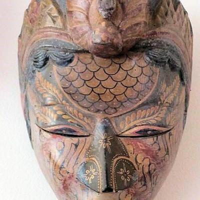 APT006 Carved Wooden Balinese Mask of Woman