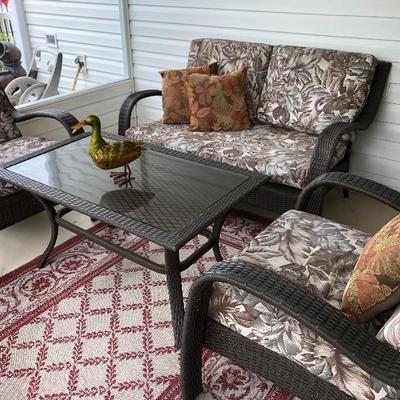 Resin Wicker Outdoor Furniture Set.