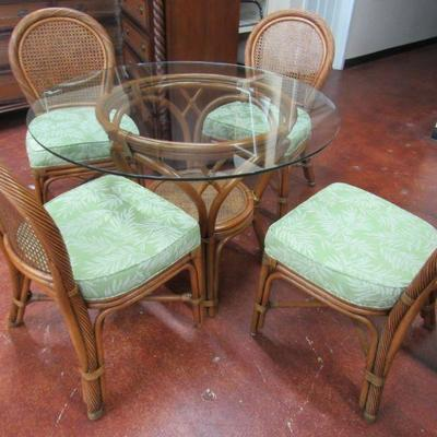 Leaders Casual Table & 4 Chairs