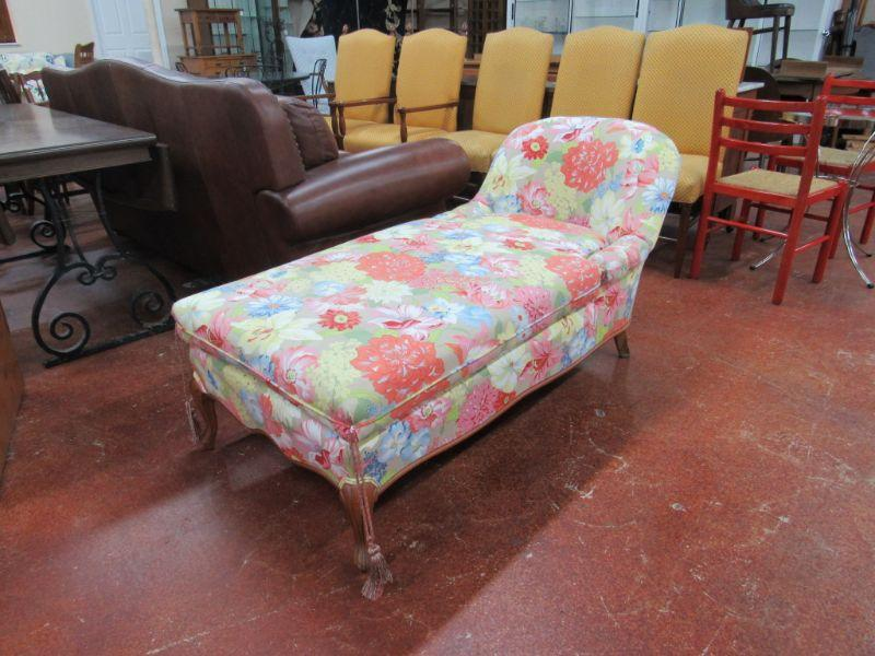 Floral pattern chaise lounger