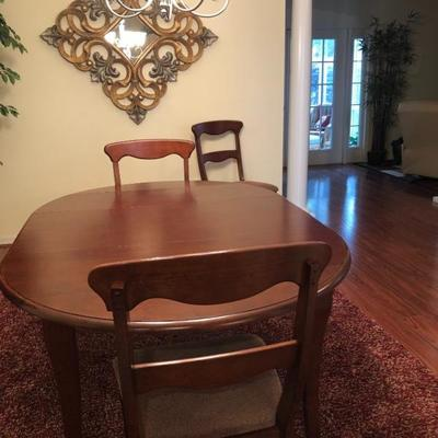Petit Wood Drop-Leaf Dining Table w/Center Extension & 4 Chairs