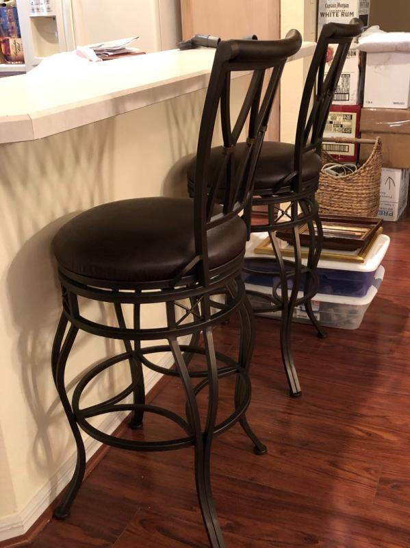 4 High Back Bar Chairs w/Round Leather-like Seats