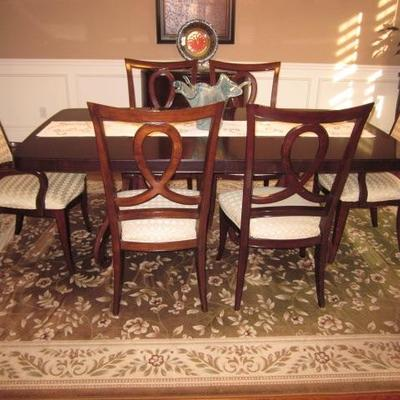 Stunning Thomasville Dining Room Suite Gently Used Rugs Throughout