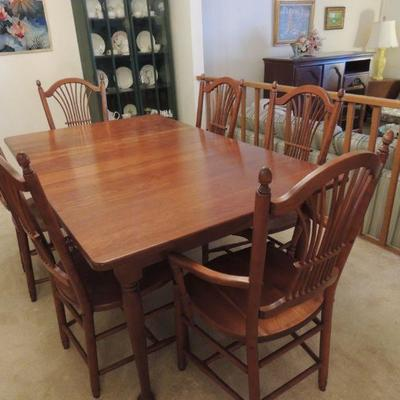 Seely dining table with six chairs and leaves