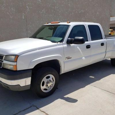 #130: 2005 Chevy Silverado 3500 Duramax Diesel, Only 65,186 miles! See Video! Current Smog.. Ice cold A/C. Cloth interior is in great...