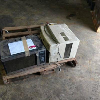Daewoo Microwave And Frigidaire Air Conditioner