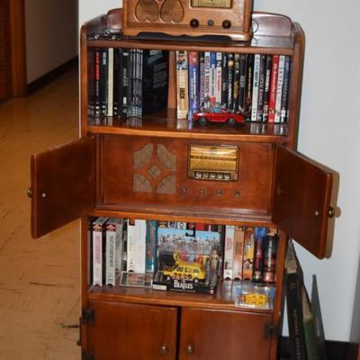 Vintage Cabinet w Radio & CD/DVD