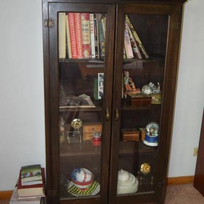 Display Cabinet, Books, Home Decor