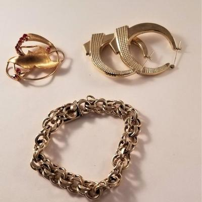 Good selection of fine jewelry