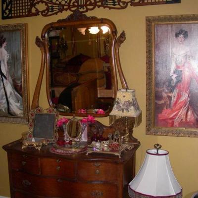 Oak dresser with wishbone mirror