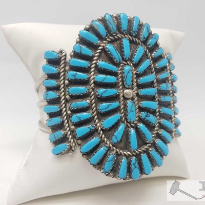 #615 • Vintage Block Turquoise Cluster Sterling Bracelet, 33.5g Weighs approx 33.5g
