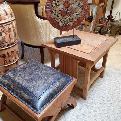 # 86  Small Ottoman, Teak sidea Table and Table Top Decoration Ottoman Measures approx 23