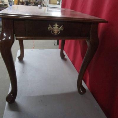 Cherry End Table w Queen Anne Legs