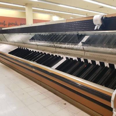 32 foot Produce open merchandiser