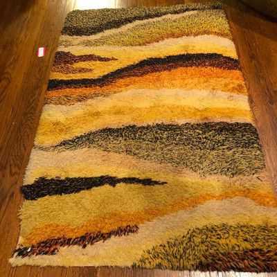 100% wool 60s Rya area rug. IT'S AWESOME don't fight me on this!