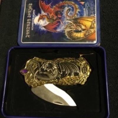 Dragon Single Blade Knife with Matching Metal Box