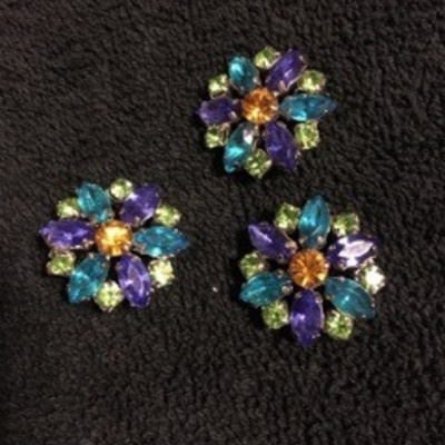 Flower Colored Glass Brooch Pin Set