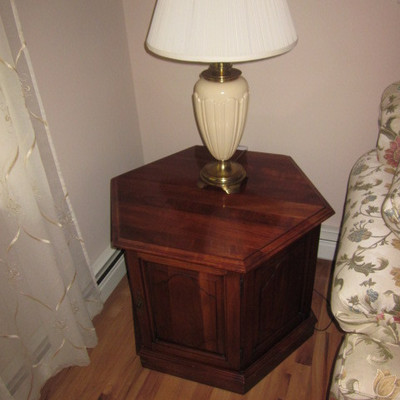 Ethan Allen Accent Tables For Any Room Lighting To Choose From