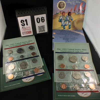 4) 1993 US Mint uncirculated coin set of 5 coins with Mint medals
