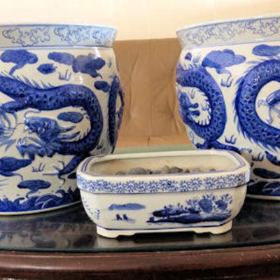 NNS112 Chinese Vases and Urns